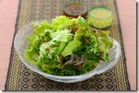 食べる温泉 大室レタスのサラダ